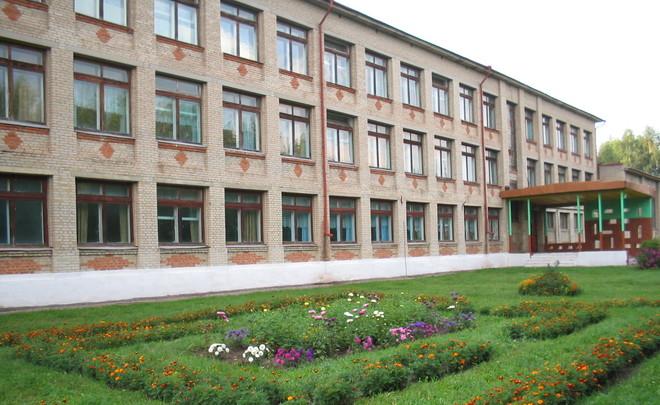 Внекоторых школах Татарстана ввели ограничения наманикюр иукрашения