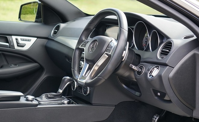 Mercedes создаст «умный» автомобиль, следящий заздоровьем иездящий запокупками