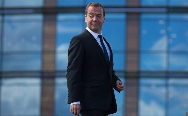 Медведев призвал регионы активнее выполнять «майские указы» президента