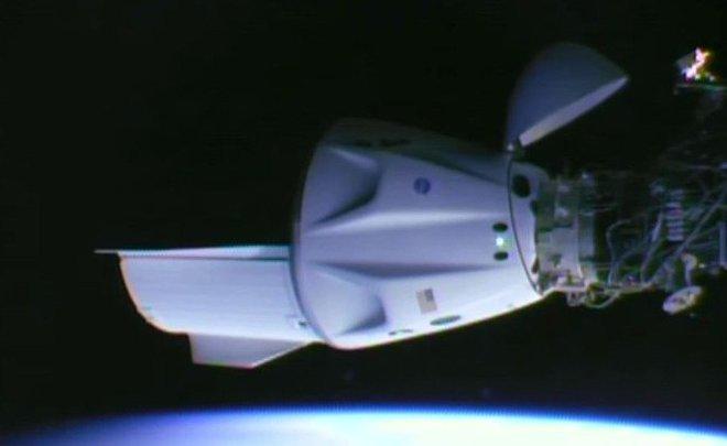 Crew Dragon пристыковался к МКС
