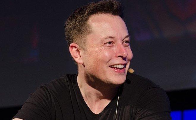 «Что такое фейсбук?»: Маск удалил изсоцсети страницы SpaceX иTesla