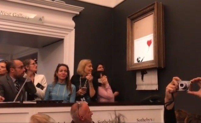 Коллекционер сам искромсал картину Бэнкси, рассчитывая, что это увеличит еестоимость (зря)