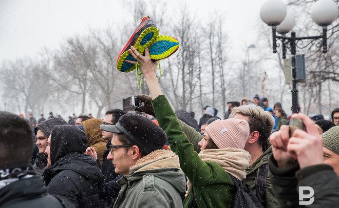 В столицеРФ четырех участников акции протеста обвинили внасилии против полицейских